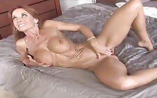 slim dark brown d like to fuck with large tits