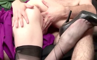 mature in nylons receives pussyfucked
