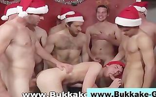 christmas surpirse for homo elfs face