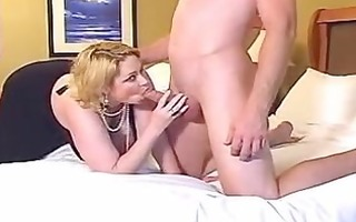sam 38g gives an outstanding blowjob!