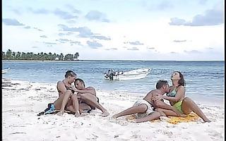 maria bellucci - sex on the beach