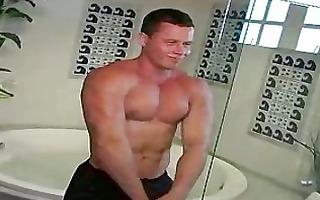 muscled guy wants skinny guy