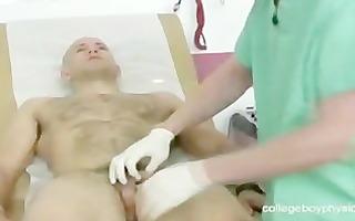 hawt yummy doctor sucks rod