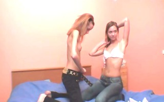dancing and pussy licking for a livecam