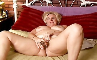mature dilettante with large tits