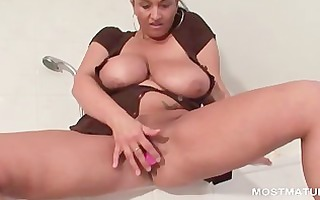 big beautiful woman aged works biggest tits and