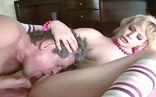 scorching sexy friend ann opens her mouth for a