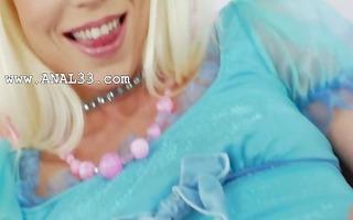 hot blond filling her dark hole
